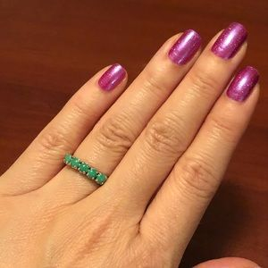 Jewelry - ✨3 for $20✨ Green gem silver coloured ring